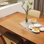 「食卓クイックルクロス」で食卓から床まで。日頃のきれいを簡単に実現する方法